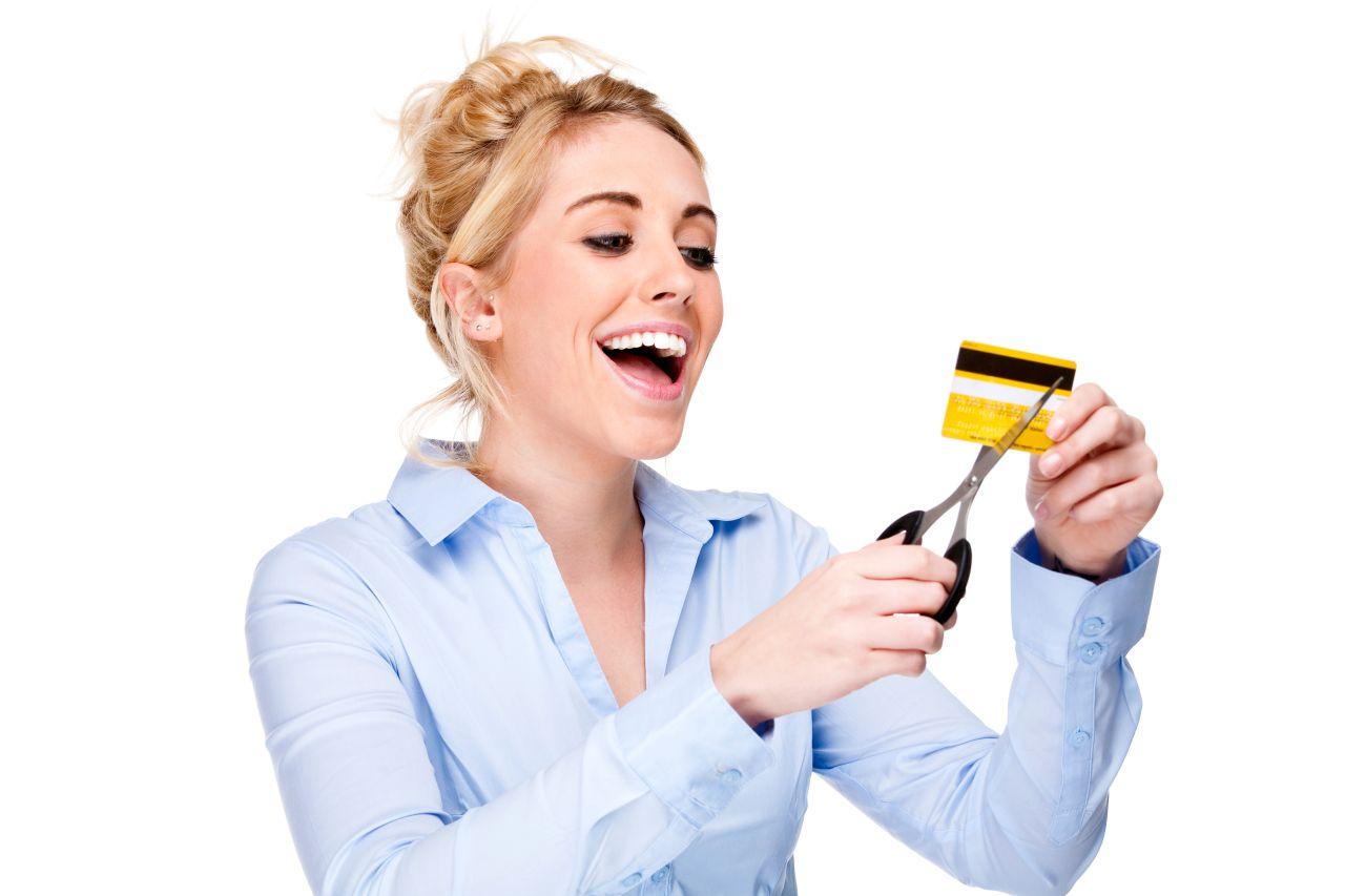 Svaki drugi Hrvat ima minus na kreditnoj kartici.